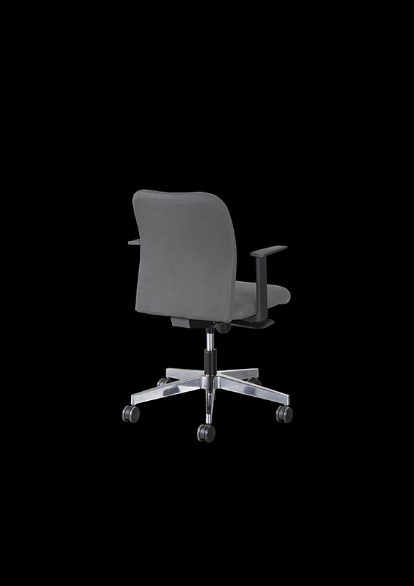 e100-mobiliario-cadeira-chair-julcar