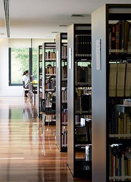 Biblioteca de Sever do Vouga julcar mobiliario